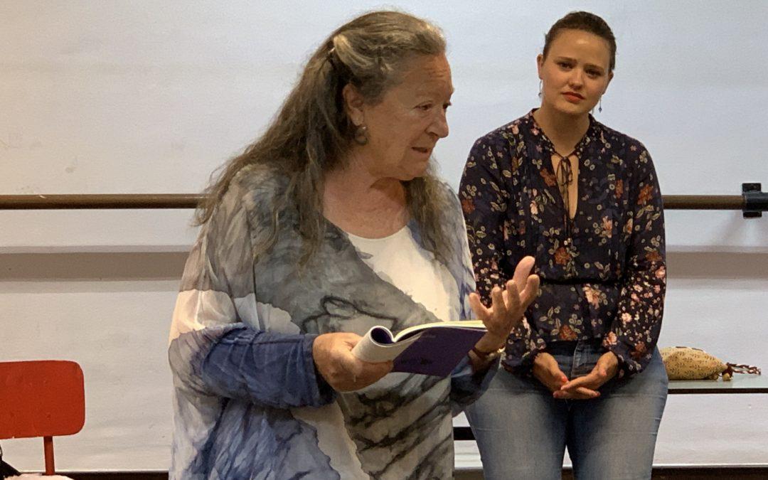 Visita de las escritoras Elsa López y Covadonga García Fierro a Mayco III